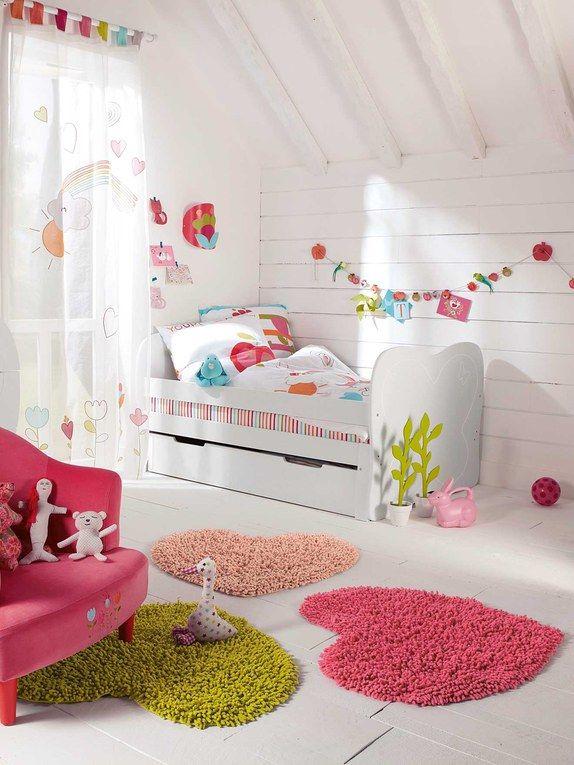 chambre d 39 enfant 90 id es pour les faire r ver tapis coeur et chambres. Black Bedroom Furniture Sets. Home Design Ideas