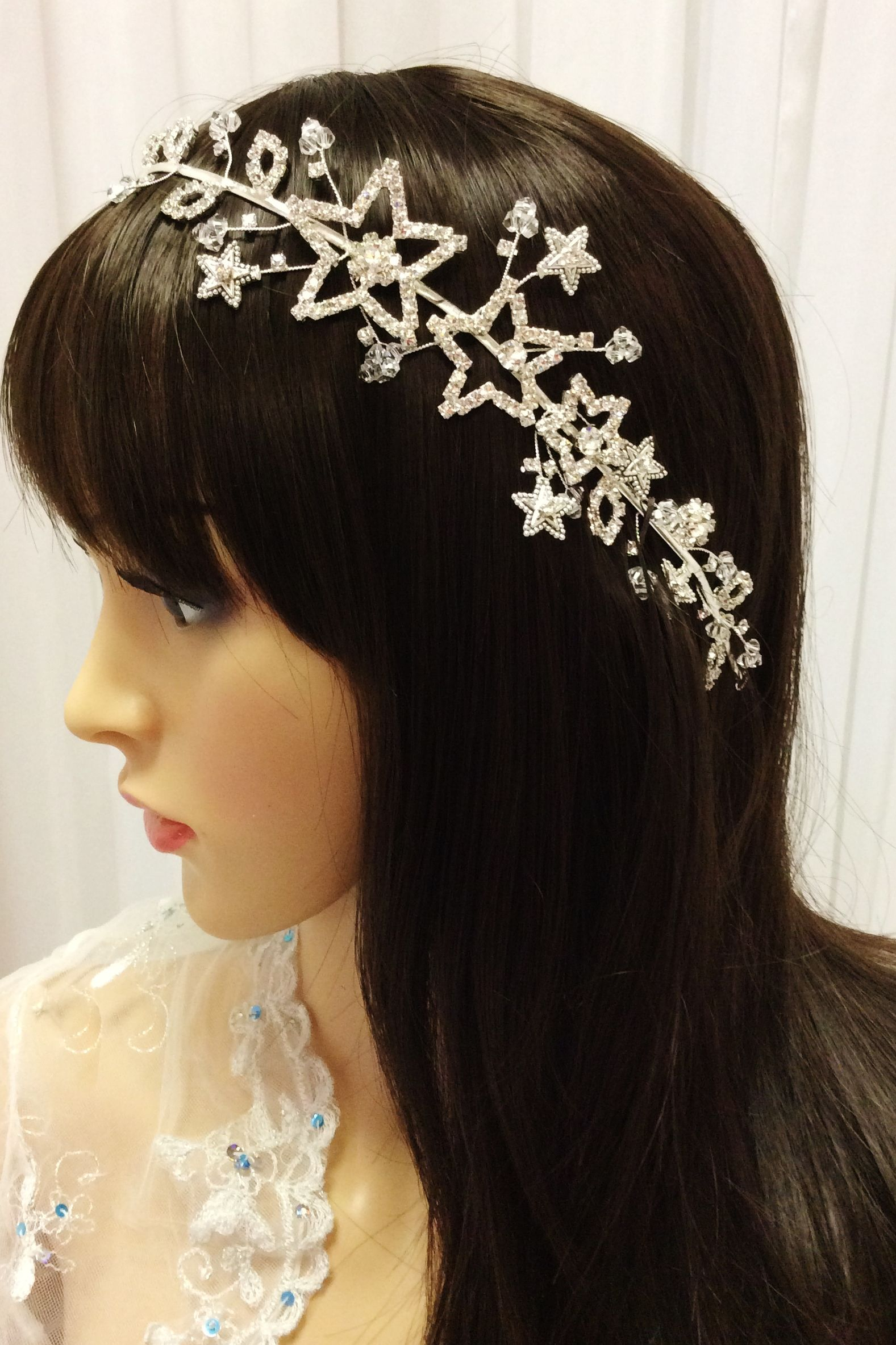 Beautiful Quinceanera Hairstyle With A Touch Of Star Spark