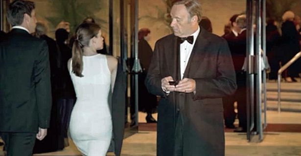 Frank Underwood looking at Zoe's ass. House of Cards.
