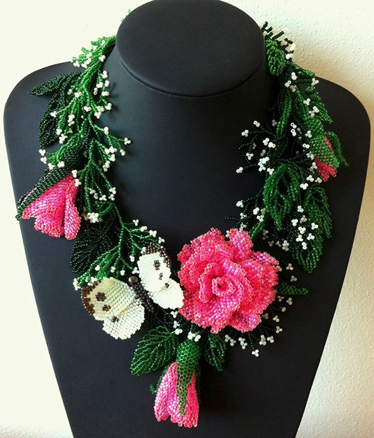Beautiful beaded jewelry with butterflies (part I) is part of Beautiful beaded jewelry, Beaded jewelry, Beaded flowers, Artisan wedding, Beaded necklace, Rose necklace - Summer is coming and we present you a beautiful collection of amazing beaded jewelry with