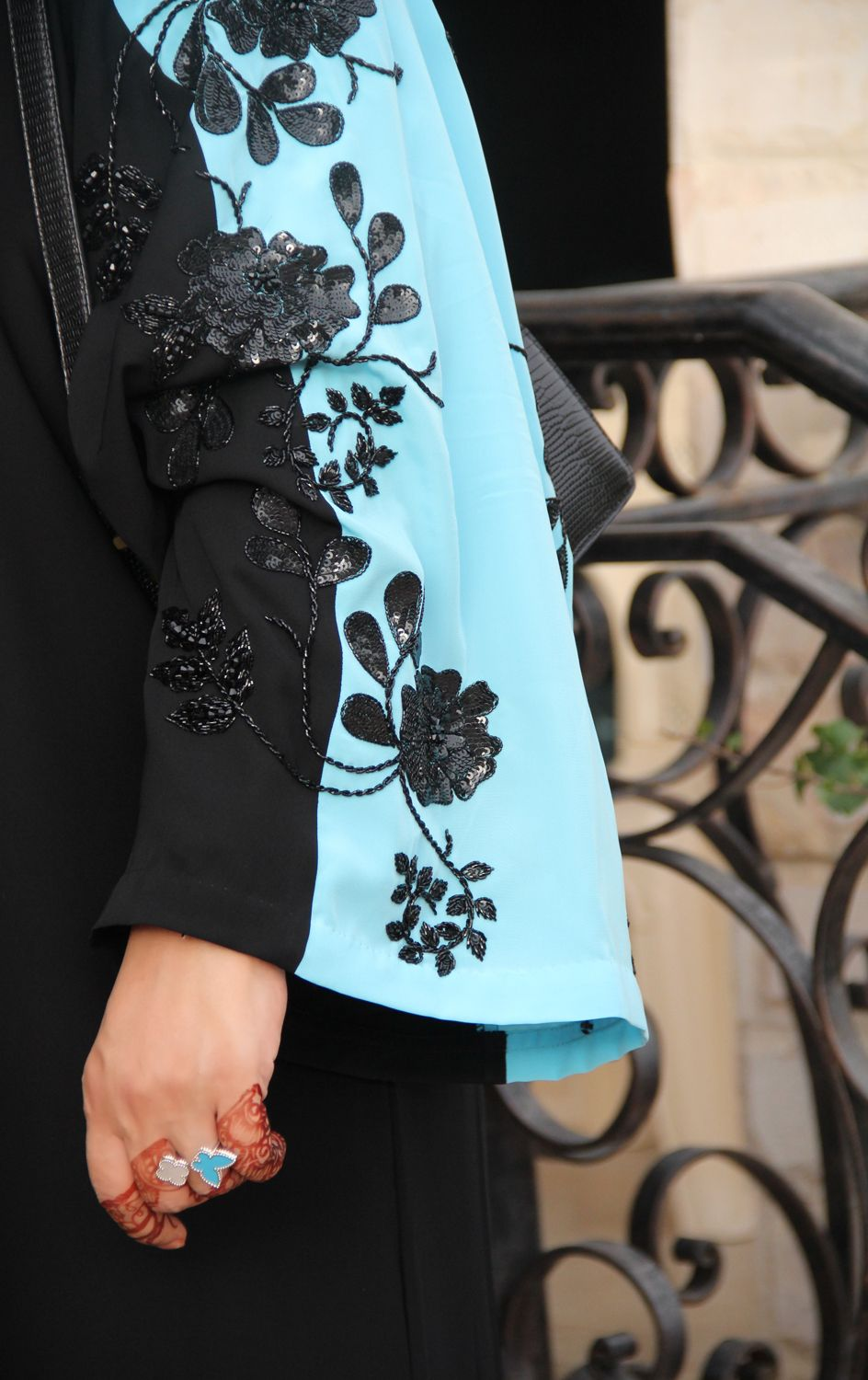 Directional Yet Demure Clothing For The Cool Modern Woman: Pin By Nurzahidah On Abaya