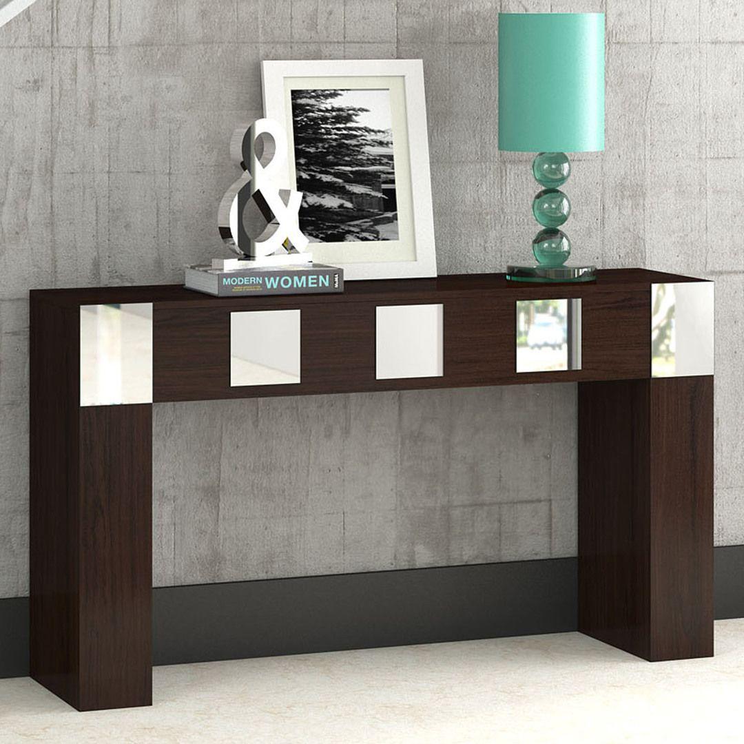 Os aparadores são ideais para complementar o ambiente e armazenar objetos decorativos. Sem falar que a combinação de madeira com espelhos é tendência na decoração. ;)