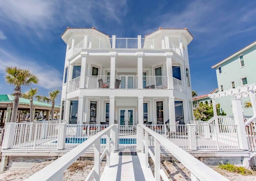 Already There Southern Vacation Rentals Beachfront House Luxury Beach House Southern Vacations
