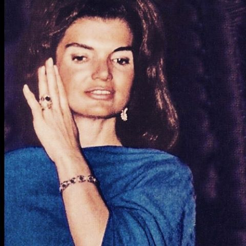 Superieur Jackie Kennedy Continued To Wear Her Wedding Ring From JFK Throughout Her  Marriage To Onassis As