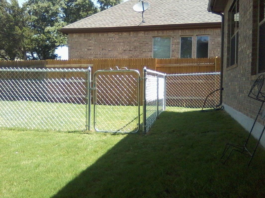 Chain Link Dog Run Screened In Porch Outdoor Dog Runs