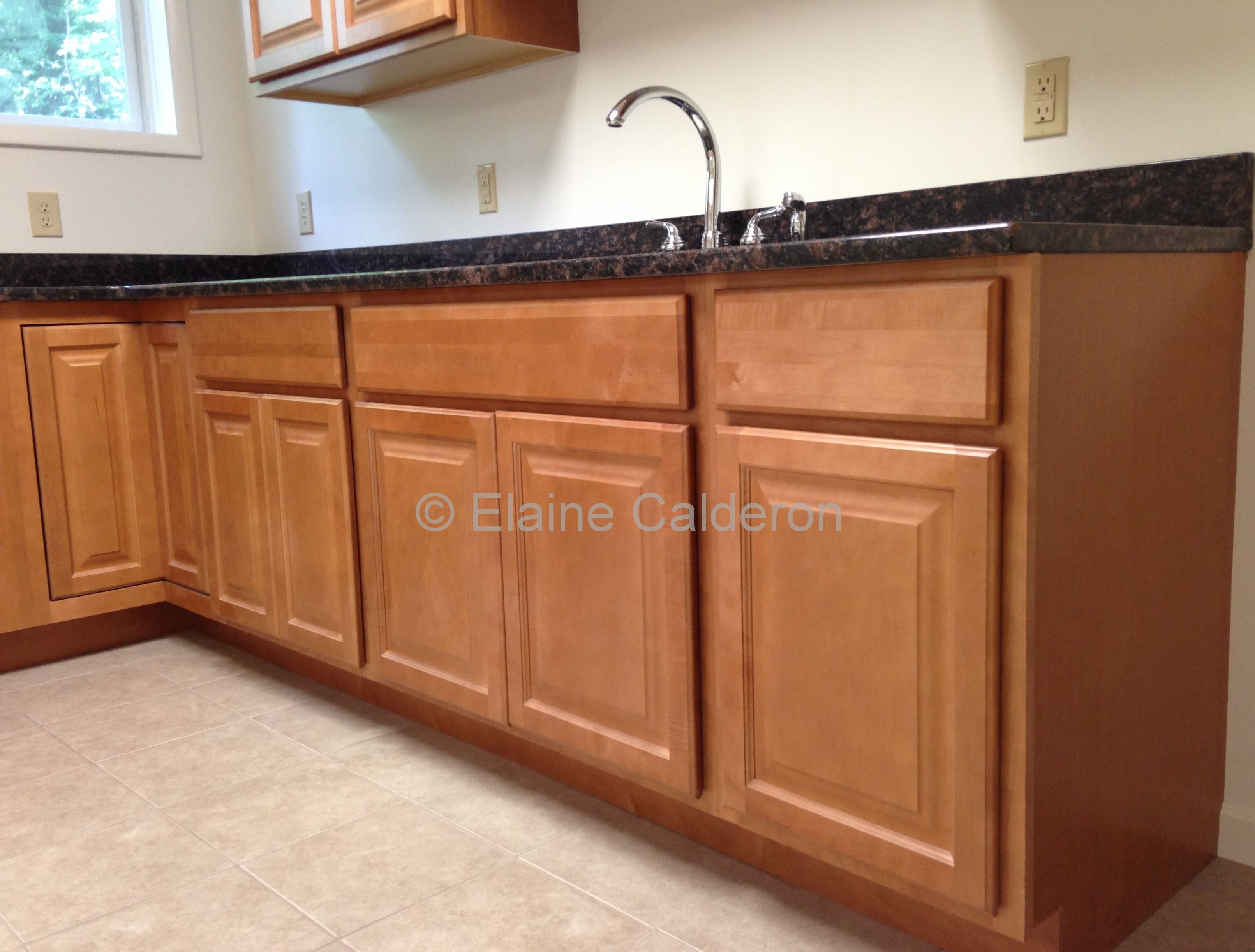 Wolf Classic Cabinets Saginaw Maple Door Honey Finish Granite Countertop Tan Brown Classic Cabinets Countertops Granite Countertops