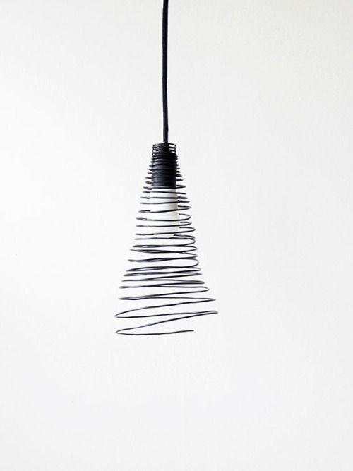 Lalatomtom via pin by sheila joubert on black and white 14h05 wire lampshadelight designmodern lighting designdiy keyboard keysfo Images