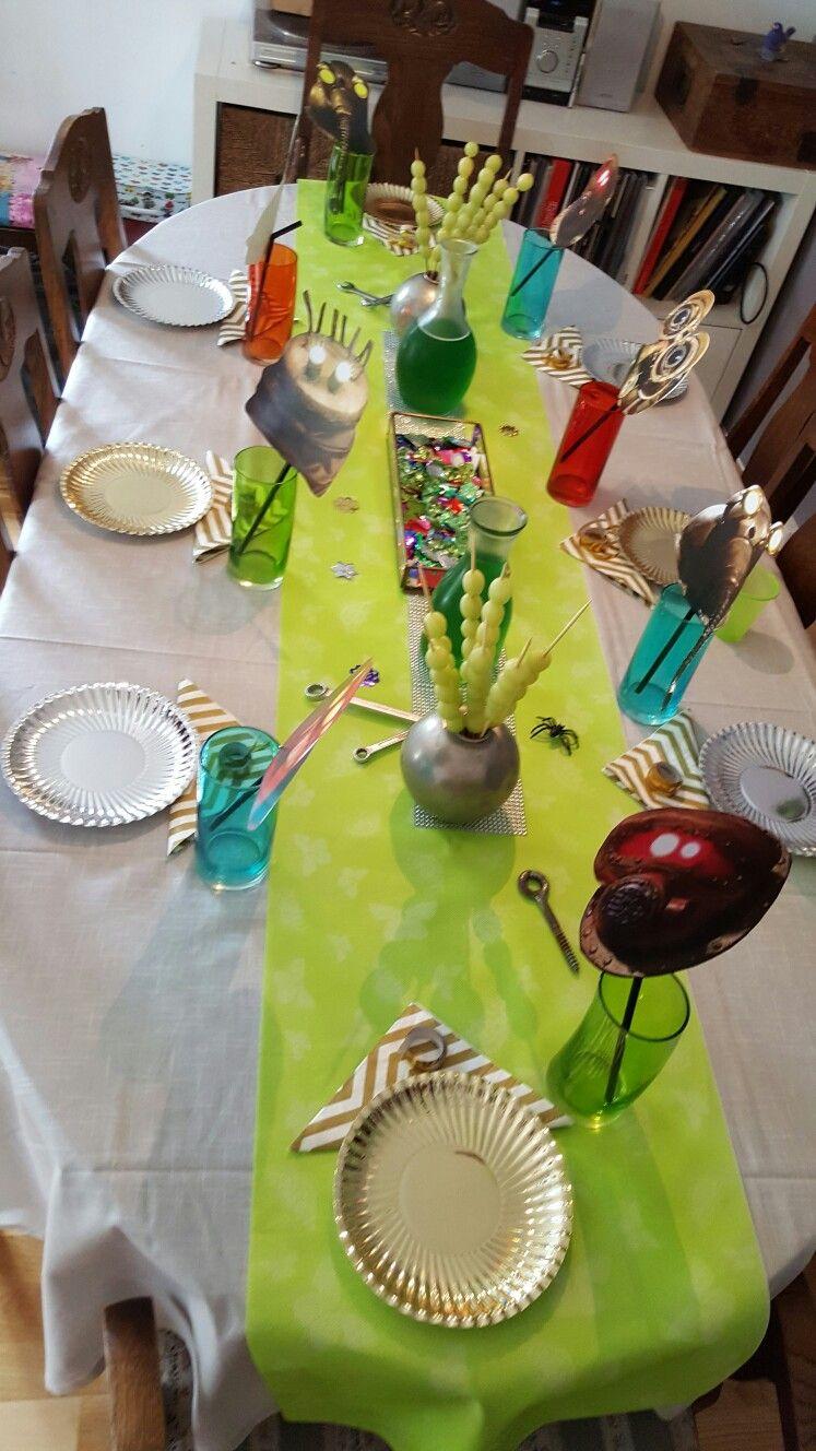 pin by alexis gray on neat craft ideas stencils and table dekoration labyrinth birthday labyrint bursdag robots