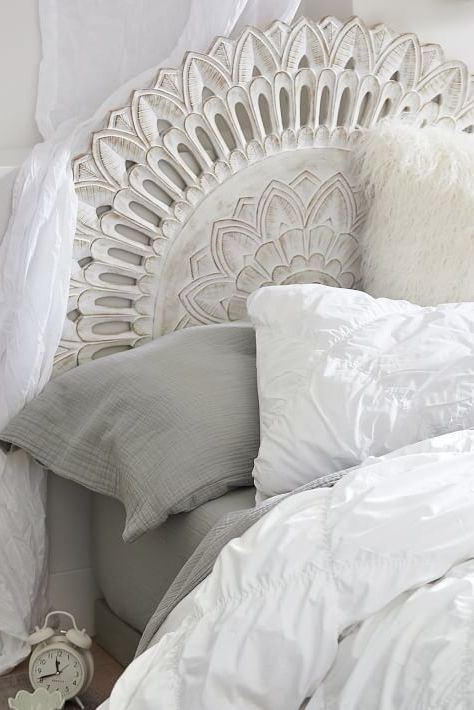 30 Creative Headboards That Make A Major Statement Faux