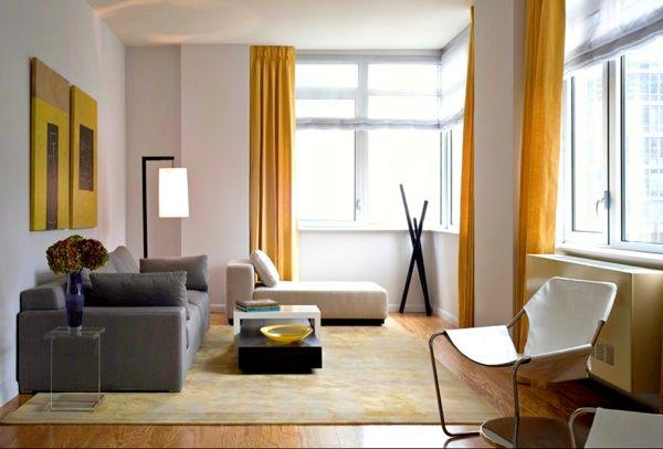 Inneneinrichtung Ideen Wohnzimmer Gardinen Gelb Liegesessel ... Inneneinrichtung Ideen Wohnzimmer
