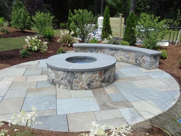 Natural cleft bluestone patio and boston blend mosiac fire for Blue stone patio with fire pit