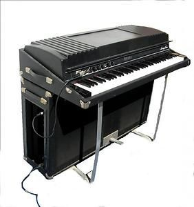 rhodes 73 suitcase piano mint vintage guitars basses keyboards and amps keyboard piano. Black Bedroom Furniture Sets. Home Design Ideas