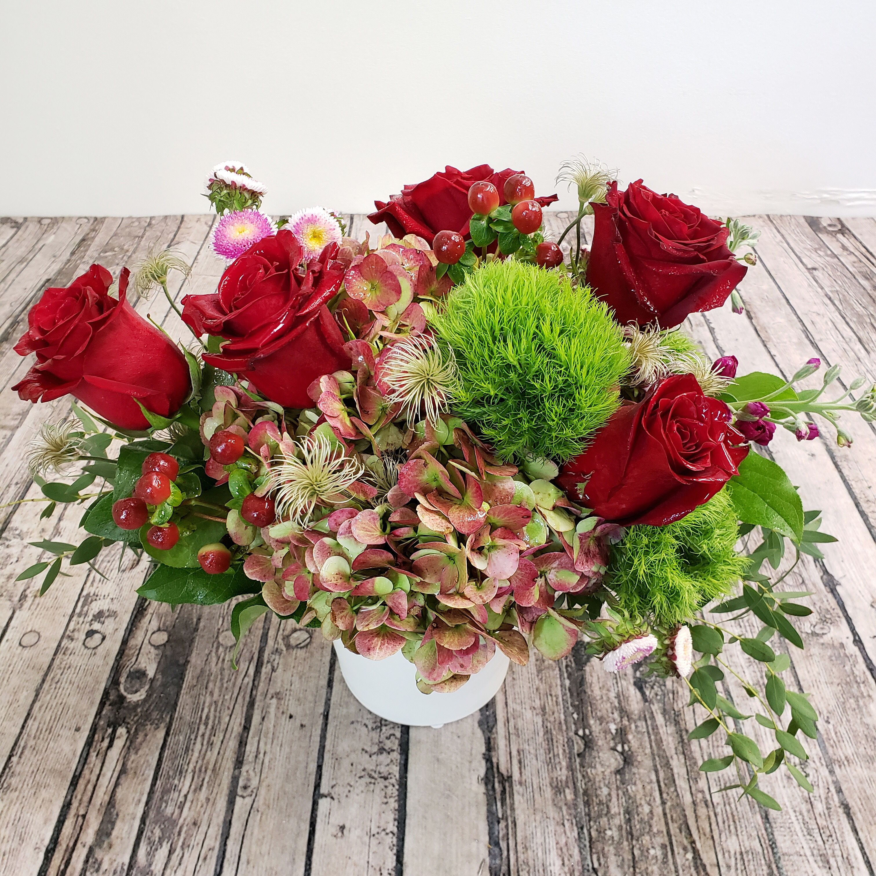 Fresh Christmas arrangement Flower delivery, Winter