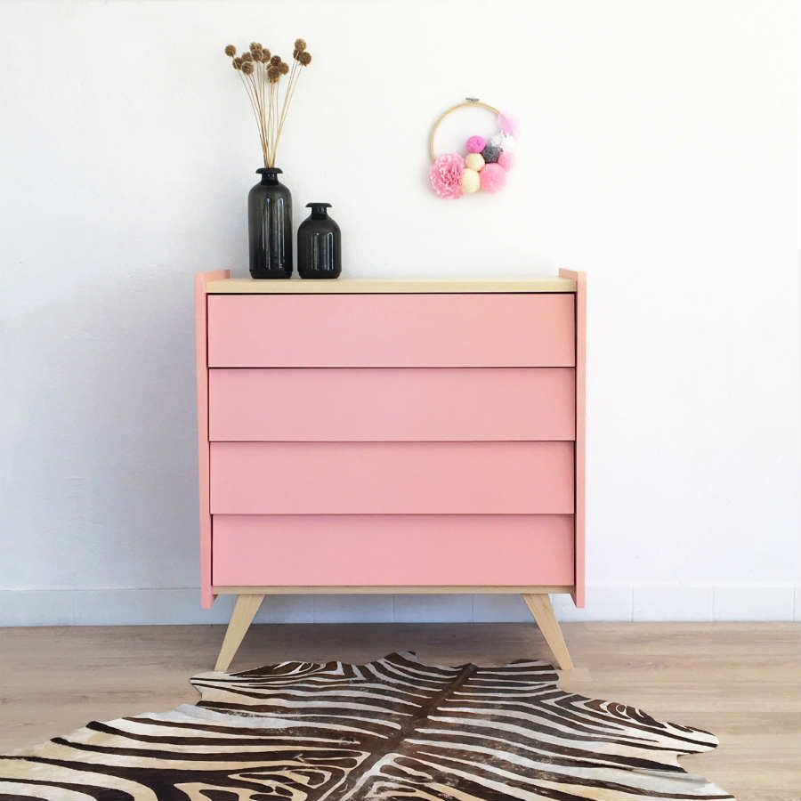 Kommode im Vintage-Look mit skandinavischem Vibe. In rosa – als ...