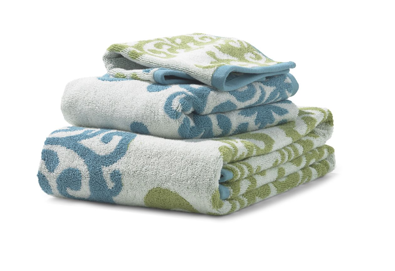 We Love These Fun Blue And Green Bath Towels Green Bath Towels Bath Towels Luxury Bath Towels