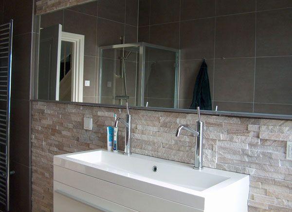 Natuursteen Wand Badkamer : Badkamer met ruige muur van natuursteen van roland koster relax