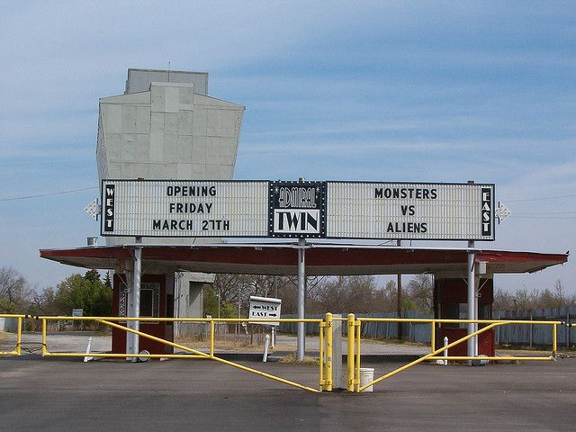 Drive In Theaters This Is The Admiral Twin Tulsa Ok Movie Outsiders Used Film
