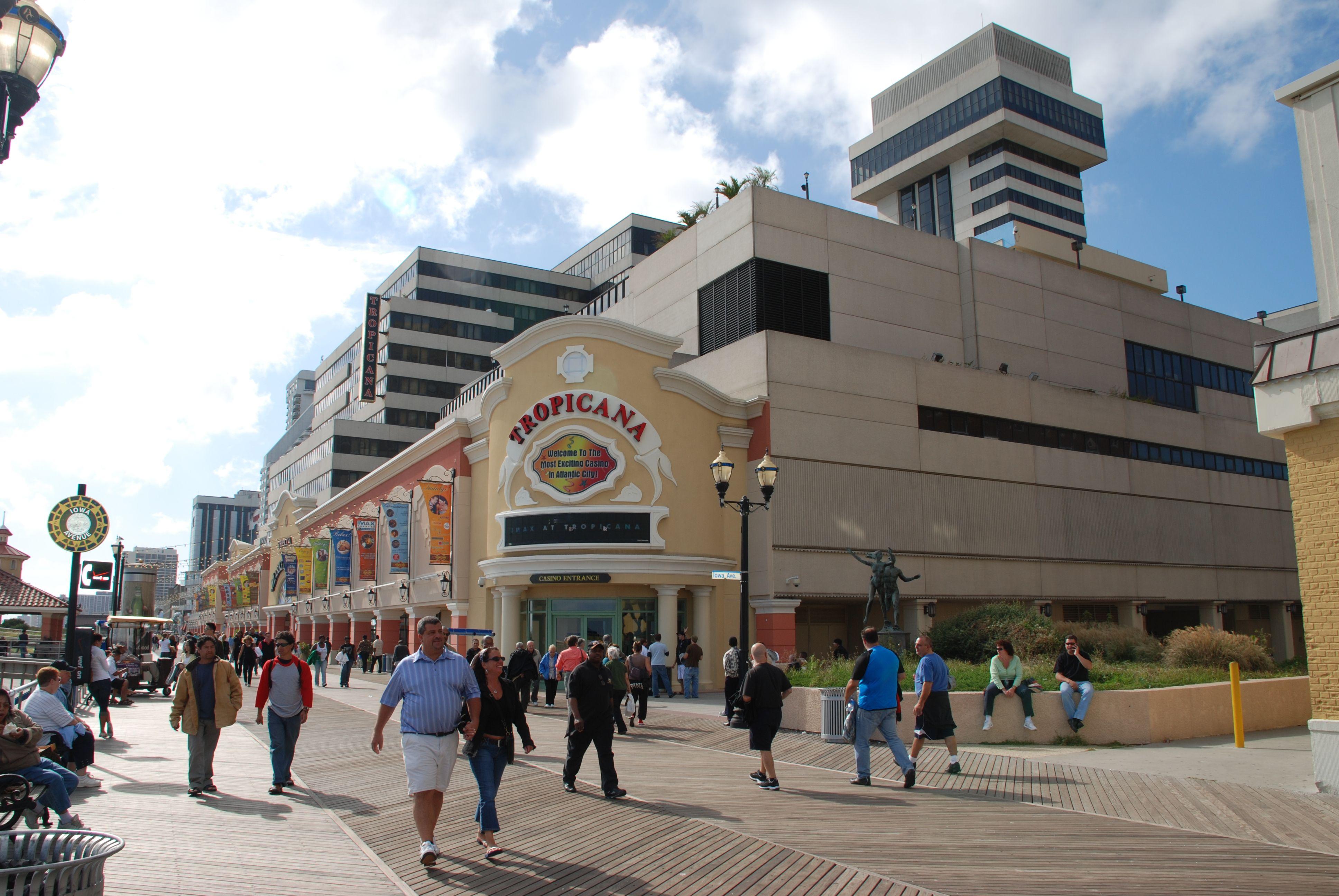 The Boardwalk Atlantic City Usa Tropicana Hotel Atlantic City Places To Travel