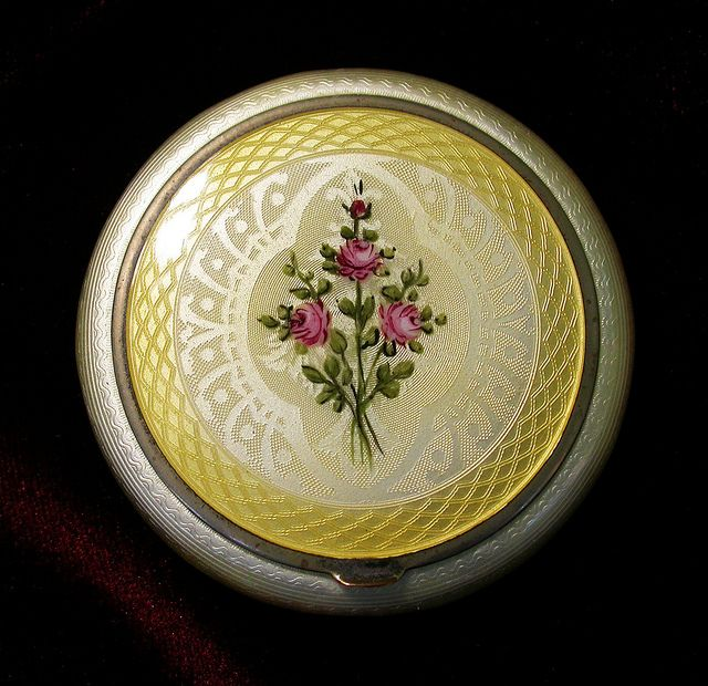 VintageFinberg Yellow Guilloche Enamel with Center Rose Floral Design Compact