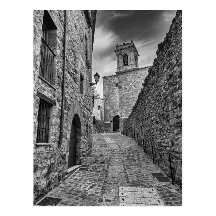 Postal bonito pueblo de Culla en blanco y negro |
