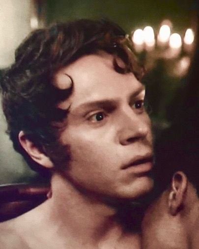 Edward Philippe Mott In Ahs My Roanoke Nightmare What Could Evan Peters Be Thinking Of While Doing This Love Scene With Evan Peters Norte Americano American