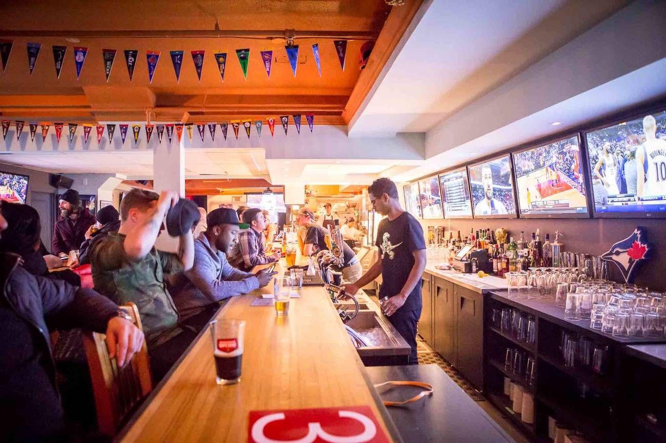 Popular Toronto sports bar The Contender suddenly shuts ...