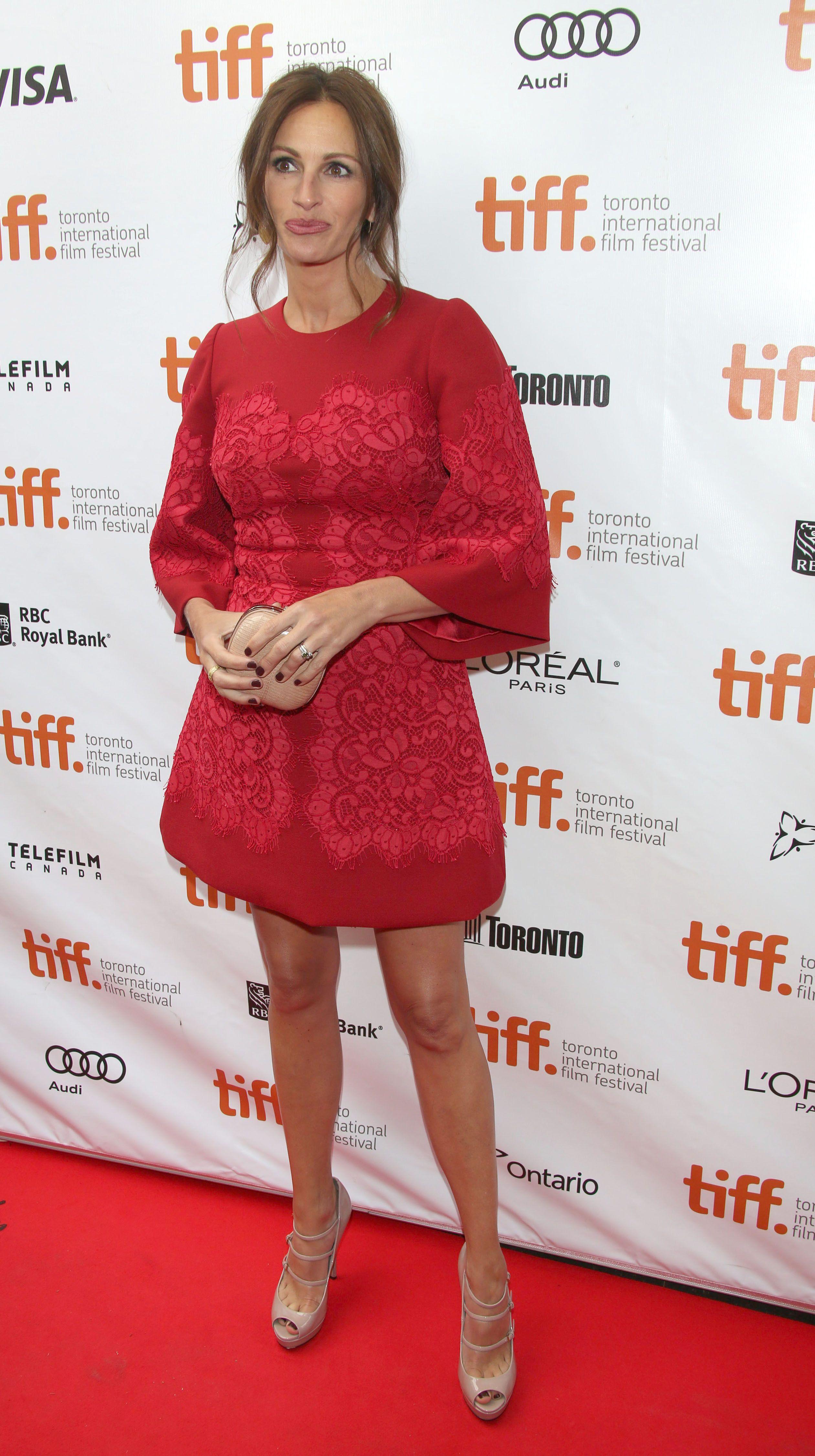 Picture Id 1102794 Long Sleeve Dress Julia Roberts Celebrity Look [ 4506 x 2522 Pixel ]