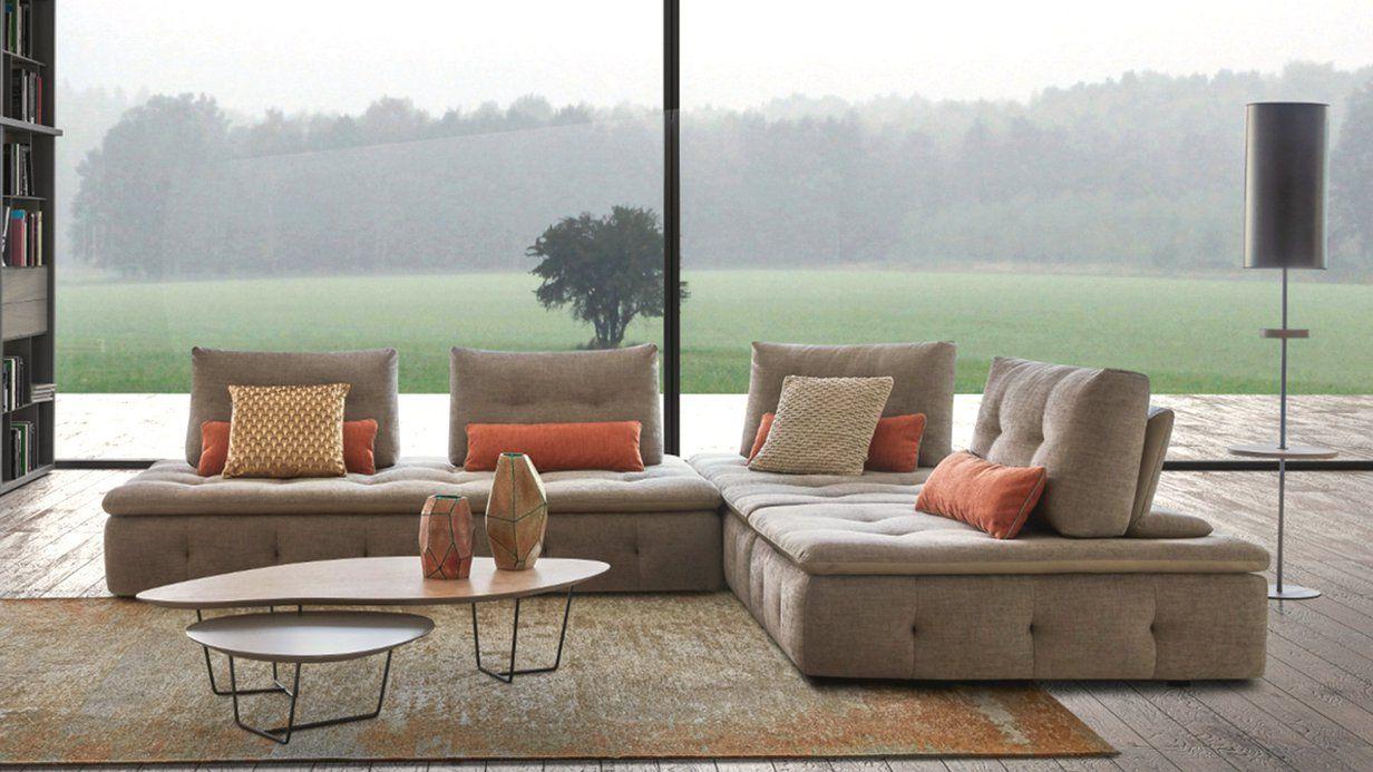 Canape Guest Un Espace Detente Et Cocooning Pour Ce Salon Xxl Design Et Epure Design Interieur Salon Canape Design Mobilier De Salon