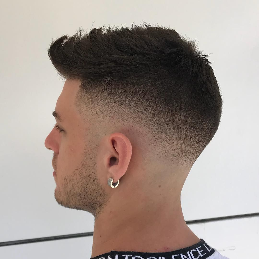 Frisurtrends 2019 Barbier Lo Sceicco Modische Frisuren Frisuren Haarschnitt Manner