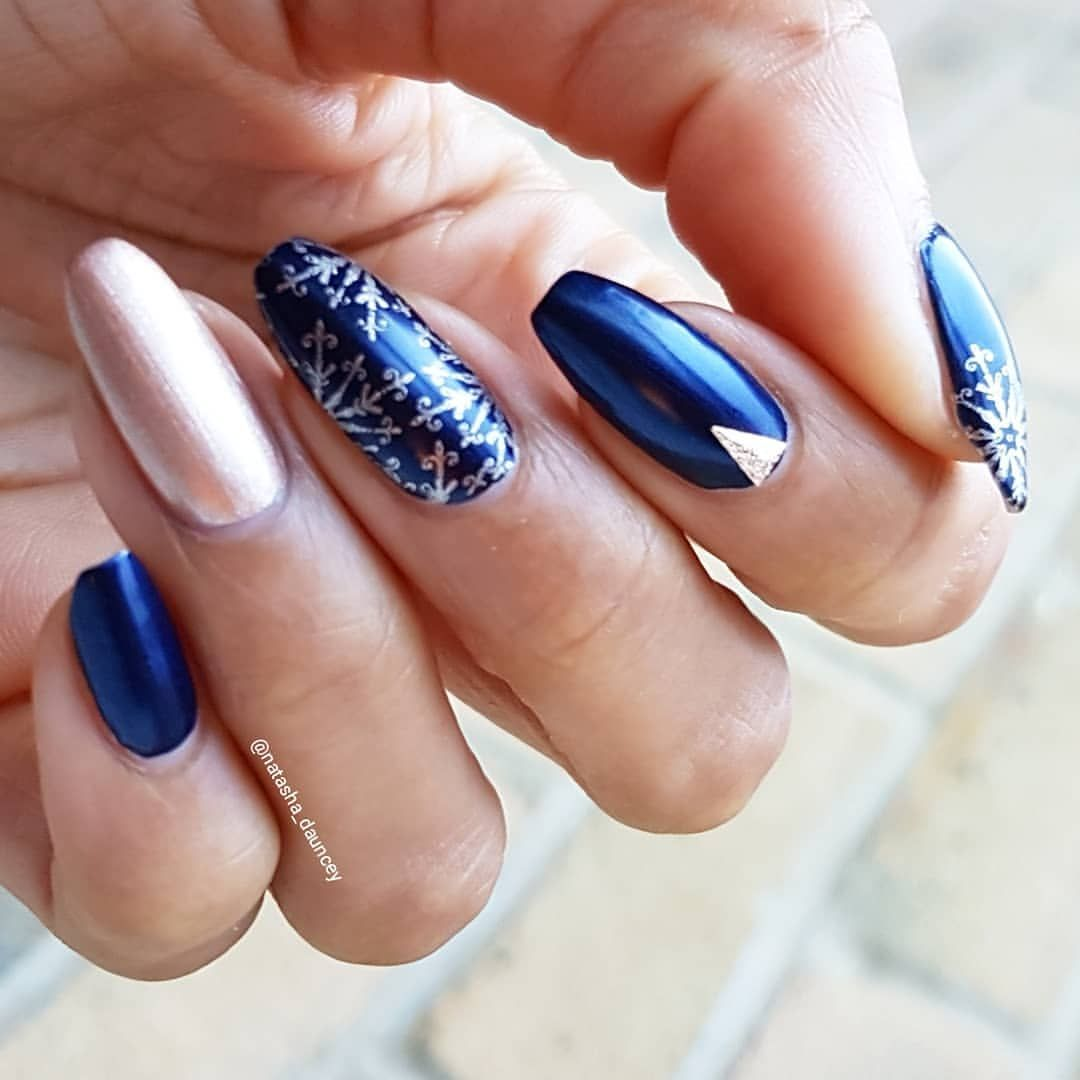 Navy Blue And Rose Gold Love This Color Combo Rose Gold Nails Rose Gold Nails Acrylic Navy Blue Nails