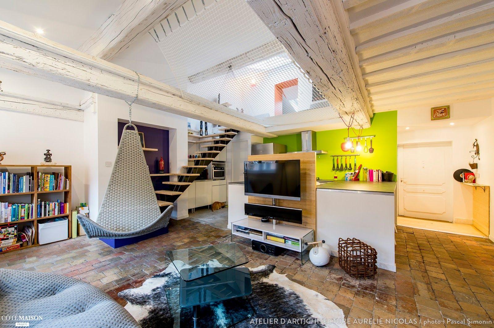 Casinha colorida: Dois projetos familiares com cores vivas e máxima originalidade