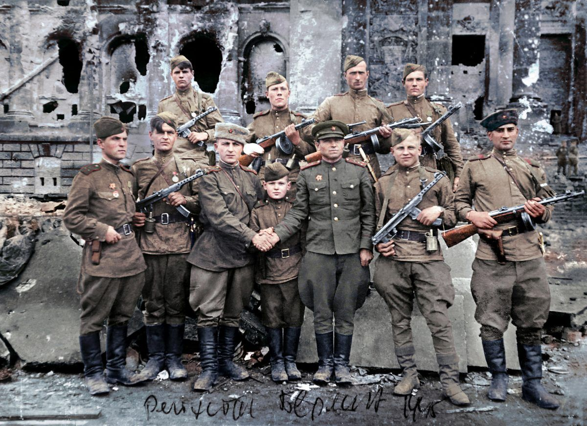 Wonderful Colorized Portraits Of Russian Fighters In World War 2