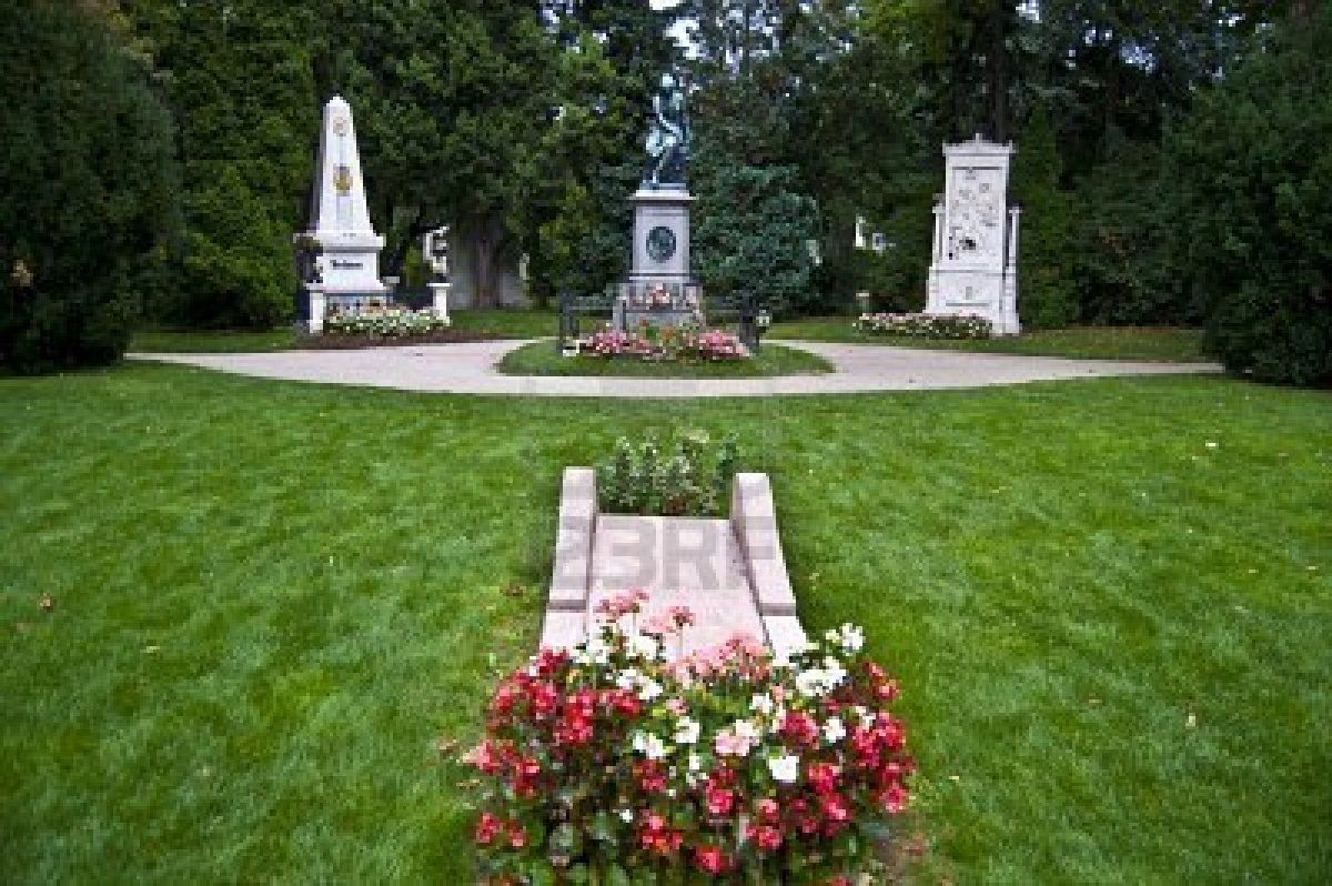 Memorials And Graves Of The Three Famous Classical Composers Famous Graves Famous Tombstones Classical