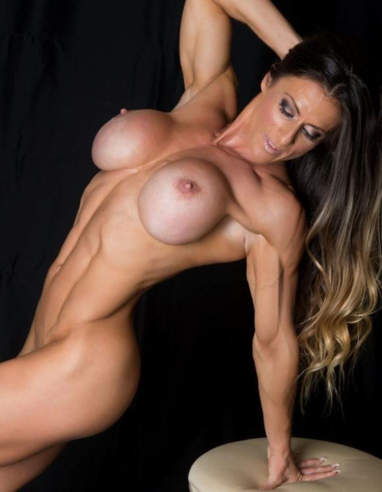 hot gym girl nud