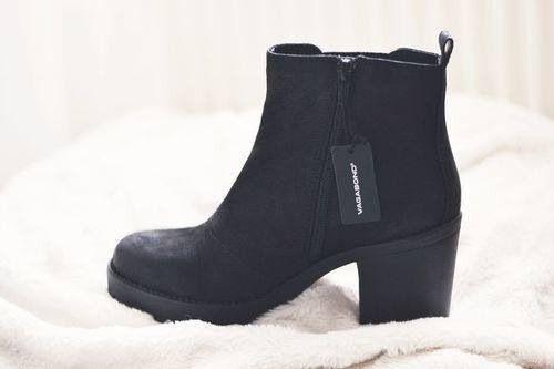 dc98ca355b84 I want to get my hands on a pair of these Vagabonds soooo badly ...