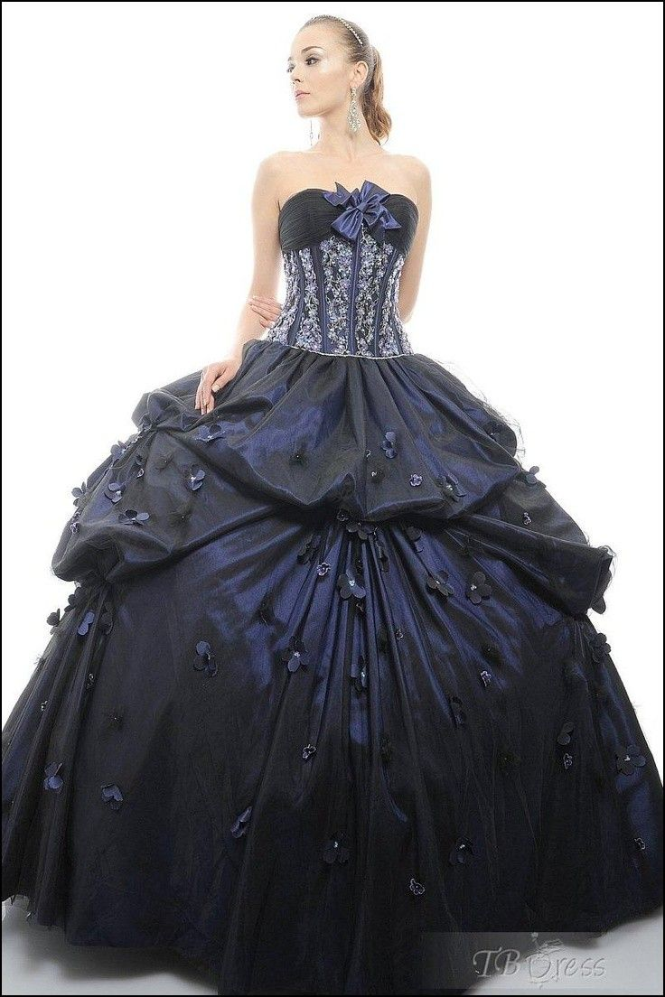 Traditional Masquerade Ball Gowns | concepts | Pinterest ...