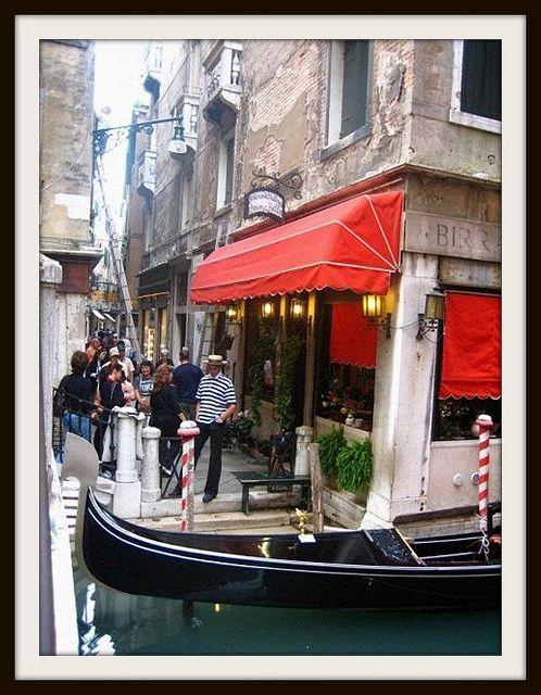 *Window shop in Venice
