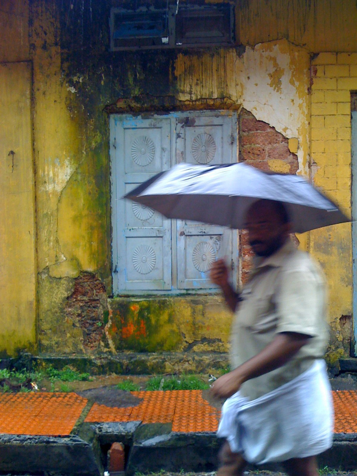 Monsoon rain in Fort Kochi, Kerala, India.