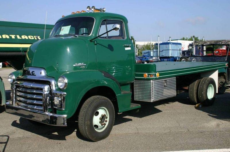 800px 1954 gmc 350 semi truck JPG 800×530