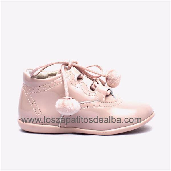 d87babca2 Zapatos bebé rosa Inglesitos Charol Modelo Pompones