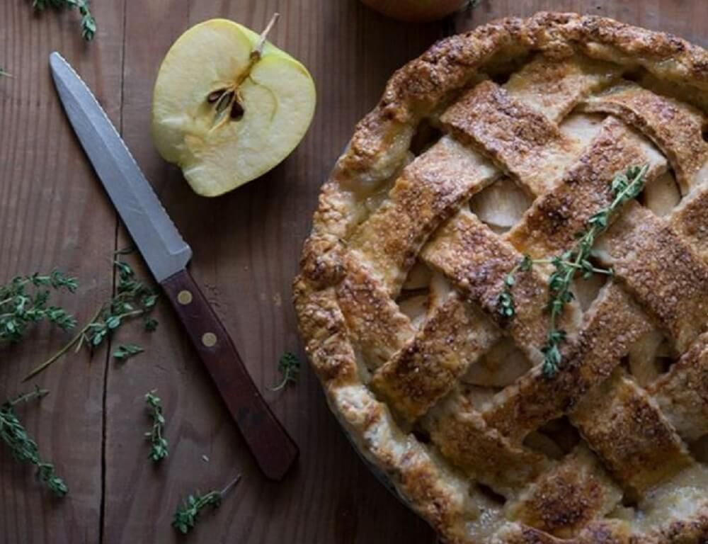 Apple Pie With Gruyére Cheese