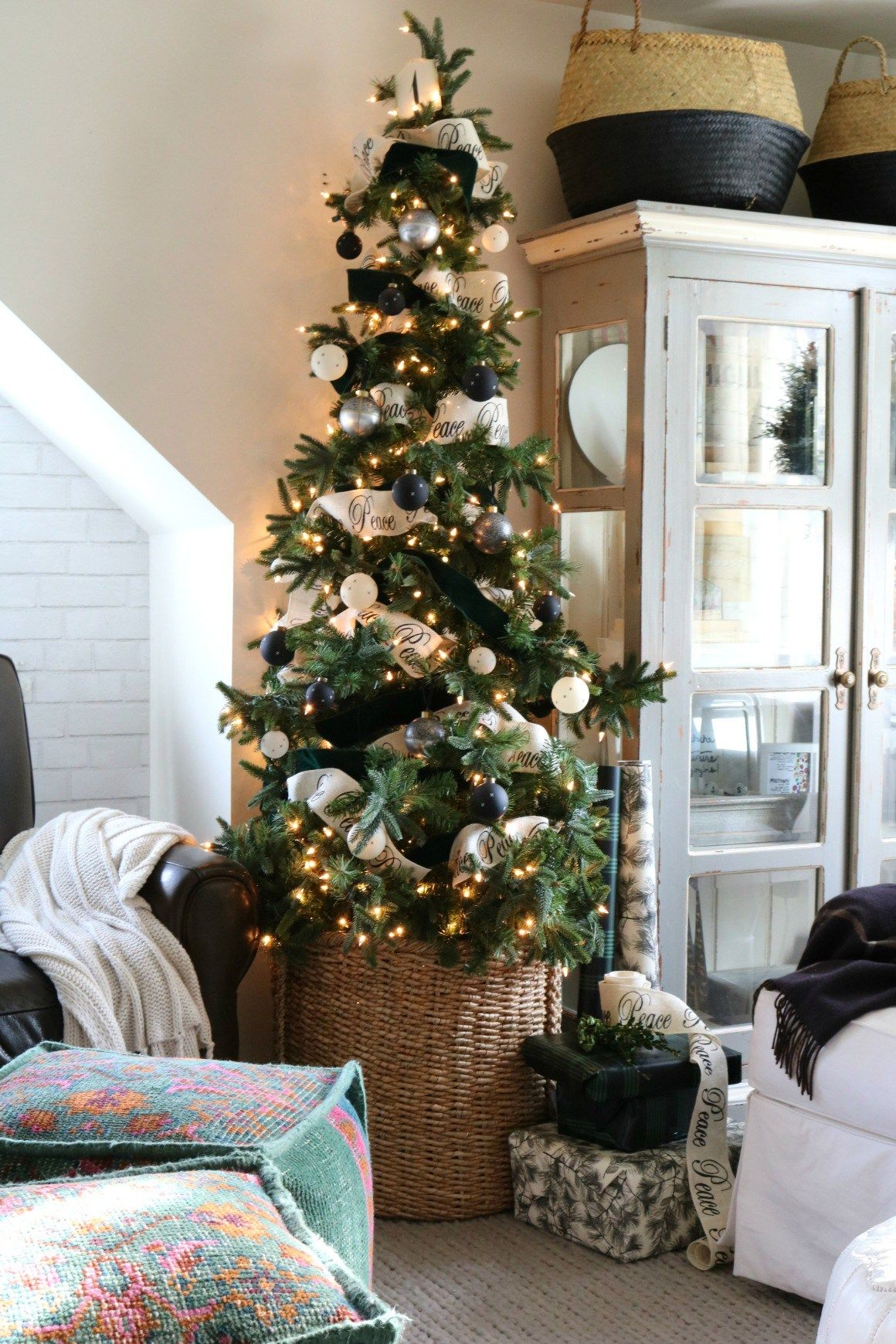 Top Home Decor Christmas Trends 2018 Nesting With Grace Christmas Trends Christmas 2018 Trends Christmas Decorations