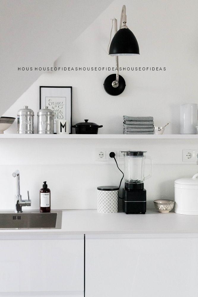 Küche Schwarz Weiß Im Skandinavischen Design Küche Skandinavisch