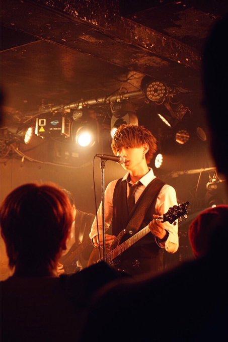 白岩瑠姫 バンド活動
