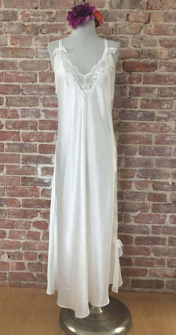 L / Oscar de La Renta White Satin Nightgown / Vintage Lingerie