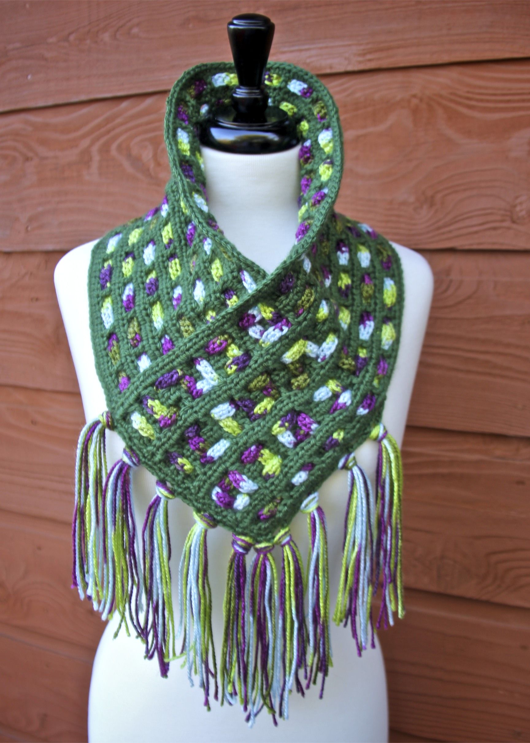 Cascading Colors Crochet Cowl Free Pattern with Video Tutorials ...