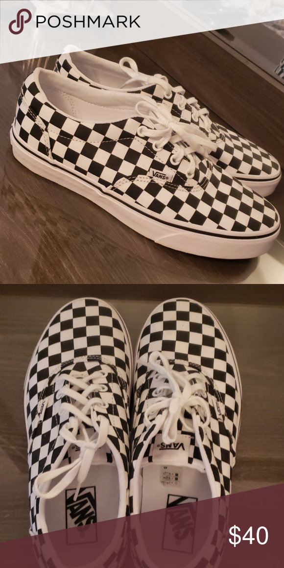 Black & White Checkered Vans SZ: 9