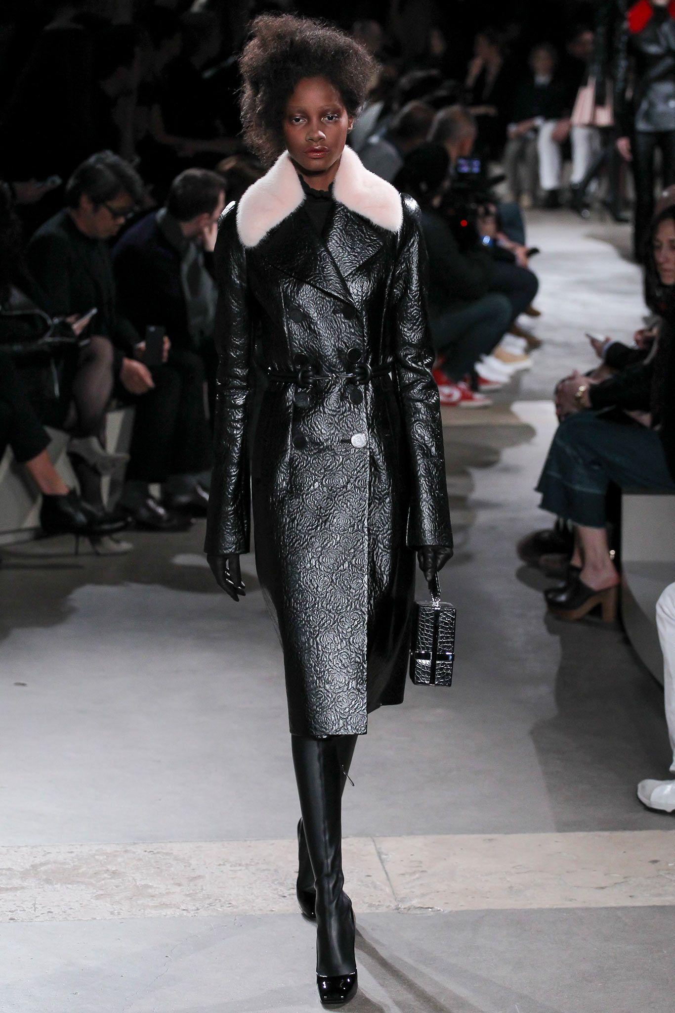 Alexander McQueen - Fall 2015 Ready-to-Wear - Look 6 of 36 meaningful black rose