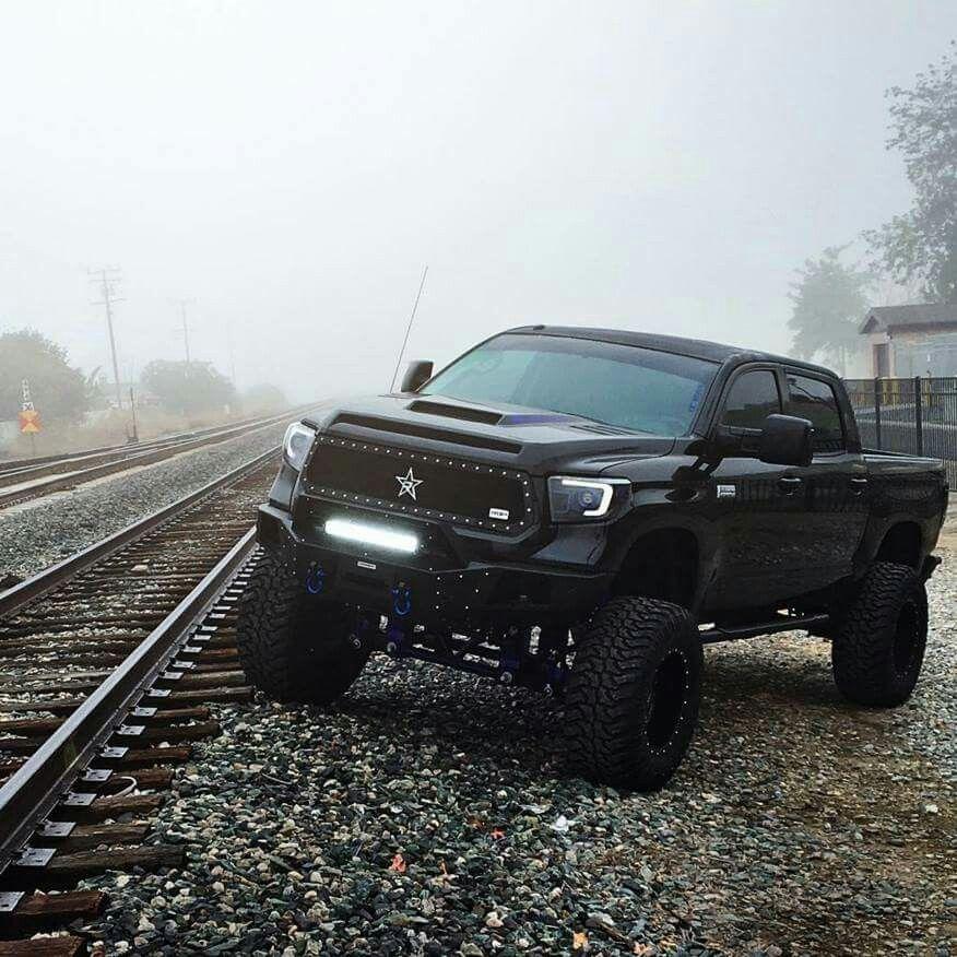2015 toyota tundra black out custom truck toyota tundra toyota rh pinterest com