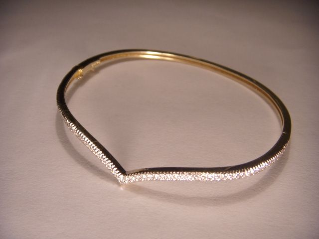 products bracelet fine jewelry mars yellow bangles baguettes diamond w bangle gold background